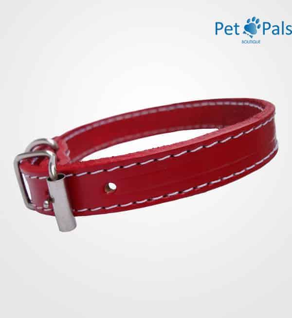 Collar de piel rojo para perro